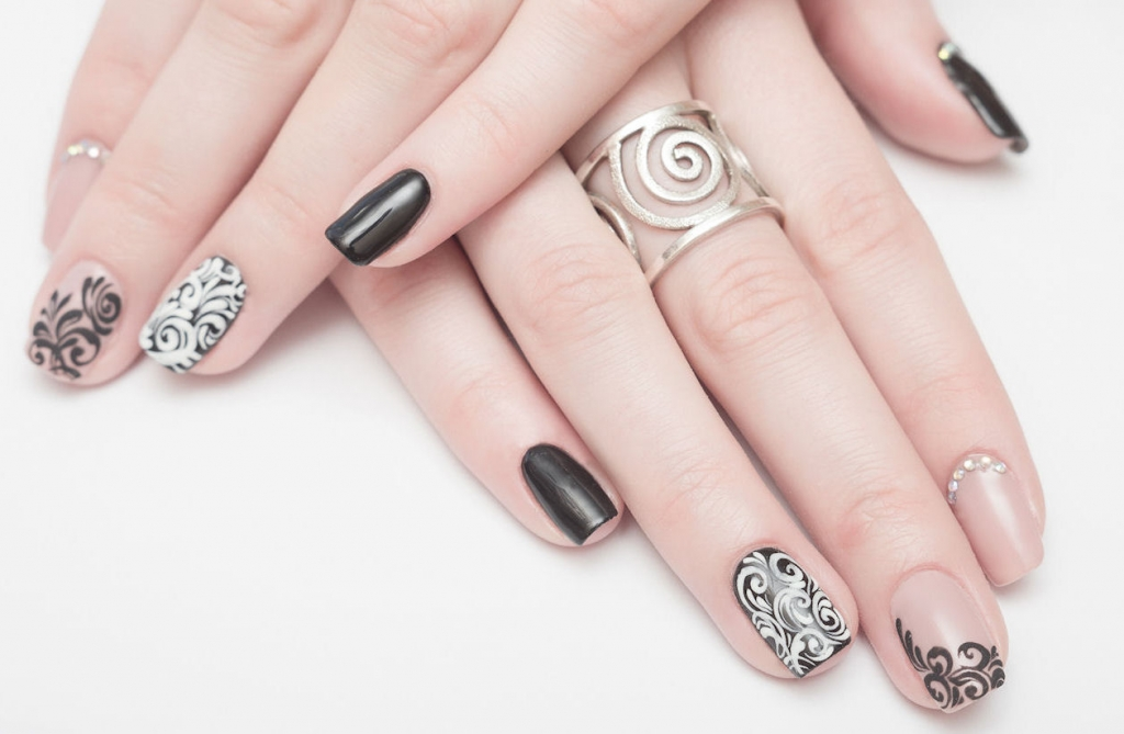 Subtlety and elegant nails designs for special occasions some occasions need subtle designs and elegant nails prinsesfo Choice Image