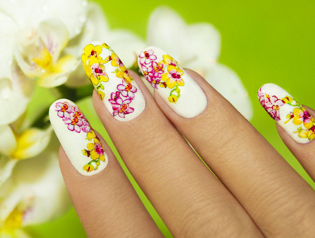 Unique Flower Nail Art That Everyone Will Be Looking At