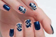 exclusive beige blue manicure