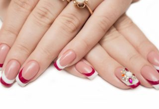 Stripes on the tips and a jeweled cluster.