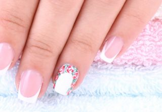 French tips with a floral touch.